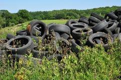 法国,堆废轮胎在阿尔蒂耶 免版税库存图片