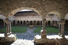 法国,奥韦涅,拉沃迪厄村庄,修道院 免版税库存照片