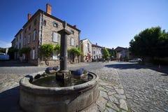 法国,奥韦涅,拉沃迪厄村庄 免版税库存图片