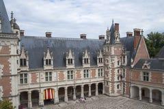 法国,布卢瓦- 2014年7月26日:城堡布卢瓦的片段 Shootin 库存照片