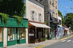 法国,瓦兹河畔欧韦美丽如画的村庄 免版税库存照片