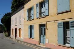 法国,瓦兹河畔欧韦美丽如画的村庄 免版税库存图片
