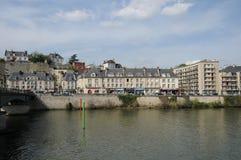 法国,美丽如画的市蓬图瓦兹 免版税库存照片
