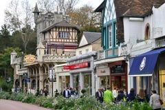 法国,美丽如画的市蓬图瓦兹 免版税图库摄影