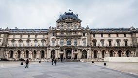 巴黎法国, 2014年11月:假日在法国-在冬天圣诞节期间的天窗 免版税库存图片
