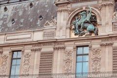 法国,巴黎- 2011年6月17日:罗浮宫 库存图片