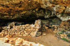 法国, Abri de la马德琳全土栖的站点在Tursac 免版税库存图片