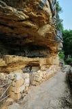 法国, Abri de la马德琳全土栖的站点在Tursac 免版税库存照片