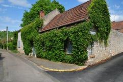 法国, Moisson美丽如画的村庄  免版税库存照片