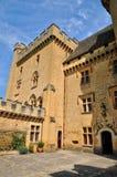 法国, Puymartin美丽如画的城堡在多尔多涅省 免版税库存图片