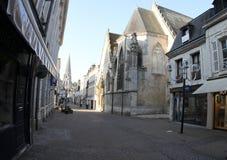 法国, Vendome,在街道上是buldings和光 免版税库存照片