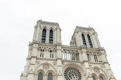 法国 参观Cathedrale巴黎圣母院的巴黎2018 6月01日,游人是eas的一个最著名的大教堂1163 - 1345 免版税库存图片