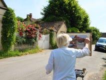 法国/吉韦尔尼:在云香克洛德・莫奈的绘画 免版税库存图片