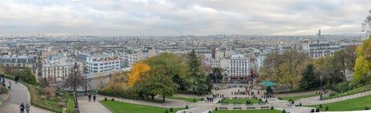 巴黎法国- 2012年11月22日:蒙马特在巴黎和都市风景全景 法国 库存图片