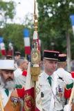 巴黎 法国 2012年7月14日 一个小组在游行前的军团在香榭丽舍大街在巴黎 免版税库存照片