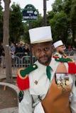 巴黎 法国 2012年7月14日 在游行前的先驱在香榭丽舍大街在巴黎 免版税库存图片