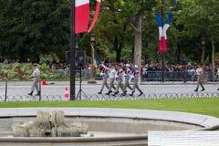 巴黎 法国 2012年7月14日 在游行期间,法国外籍兵团的军团的士兵前进 库存照片