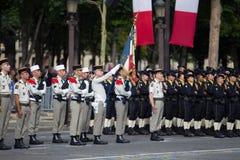 巴黎 法国 2012年7月14日 外国军团的等级在香榭丽舍大街的游行时间在巴黎 免版税库存图片