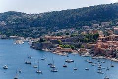 法国 滨海自由城镇和Villefranche海湾  免版税库存照片