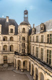 法国 Chambord, 1519 - 1547年城堡的庭院与一部螺旋形楼梯的 联合国科教文组织名单 库存图片