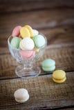 法国macarons,混合颜色 库存图片