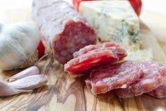 法国saucisson用干酪 库存照片