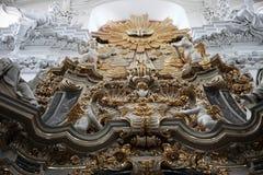 法坛在维尔茨堡大教堂里 免版税库存图片