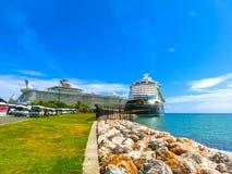 法尔茅斯,牙买加- 2018年5月02日:游轮由迪斯尼游览线路的迪斯尼幻想在法尔茅斯,牙买加靠了码头 库存图片
