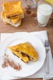 法式多士充塞用巧克力和香蕉 库存图片