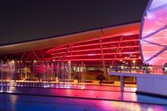 法拉利世界主题乐园在晚上,阿布扎比 免版税库存图片