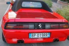法拉利汽车的陈列在斯皮兰贝尔托,意大利街道上的  免版税库存图片