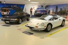 法拉利246 GTS迪诺和法拉利365 GTB Daytona 库存照片