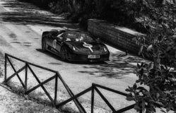 法拉利430 SCUDERIA蜘蛛2004年在集会Mille Miglia 2017的一辆老赛车著名意大利人h 免版税库存照片