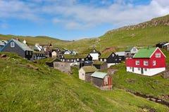 法罗群岛美丽如画的村庄  免版税库存照片