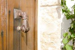 法蒂玛的手黄铜通道门环 库存图片