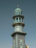 法蒂玛Masumeh清真寺尖塔在Qum伊朗 库存照片
