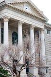 法院大楼冬天 免版税库存照片