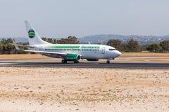 法鲁,葡萄牙- Juny 18日2017年:Germania飞行从法鲁国际机场的飞机离开 库存图片