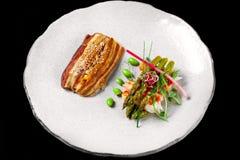 泛亚海鲜烹调用海鳗鱼、asparagusand和大虾 库存图片