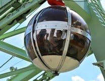 泡影-长平底船球状缆车,格勒诺布尔 图库摄影