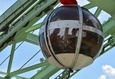 泡影-长平底船球状缆车,格勒诺布尔 库存照片