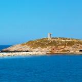 泡沫和泡沫从小船海岛的希腊地中海se的 免版税库存照片