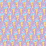 泡泡糖锥体在紫色的冰淇凌 皇族释放例证