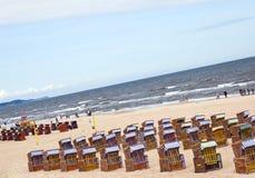 波儿地克的海滩睡椅海运 库存照片