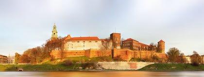 波兰国王的皇家城堡Wawel小山的, Kwakow,波兰 免版税库存图片