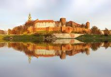 波兰国王的皇家城堡Wawel小山的, Kwakow,波兰 免版税库存照片