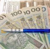 波兰报税表(PIT-11)和波兰金钱 免版税库存图片