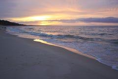 波兰海岸日落 免版税库存图片