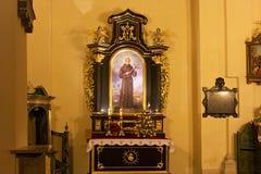 波兰,克拉科夫- 2015年1月01日:在Sts里面宽容修道院教会  锡耶纳Bernardine  免版税图库摄影