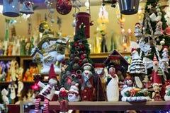 波兰,扎科帕内- 2015年1月03日:纪念品在一个商店窗口里在扎科帕内 库存图片